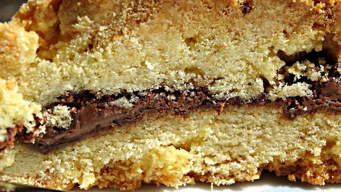 Scrumptious Nutella Crumble Cake